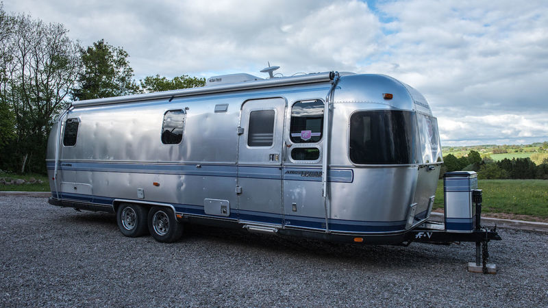 Photograph of Airstream Deluxe