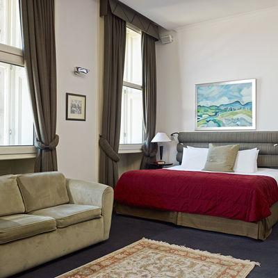 Thumb guest room  13