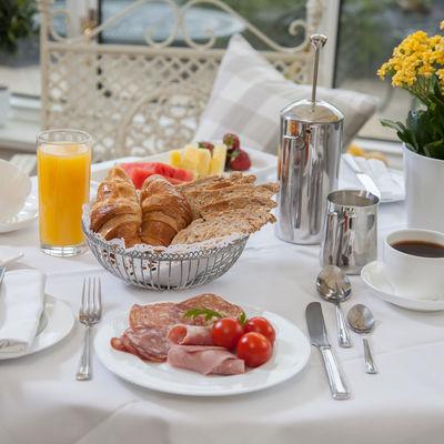 Thumb continental breakfast