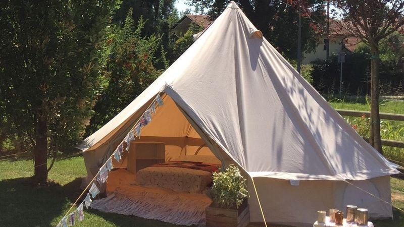 Medium crop festival tent  3