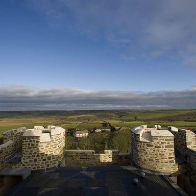 Thumb roch castle  pembrokeshire view