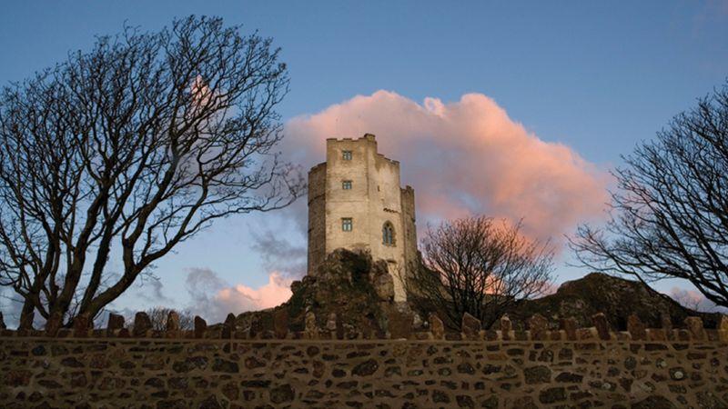 Medium crop pink clouds at roch castle