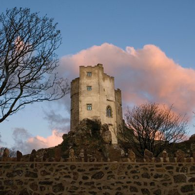 Thumb pink clouds at roch castle