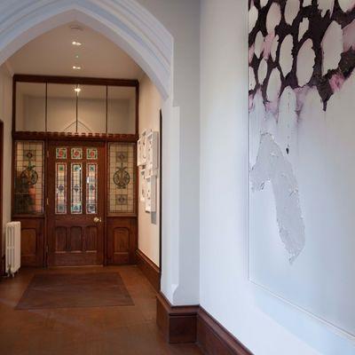 Thumb hallway penrhiw