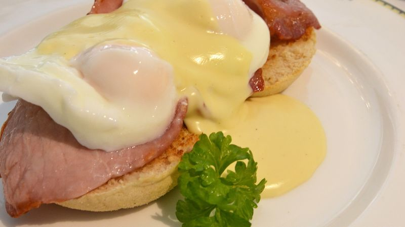 Medium crop eggs benedict