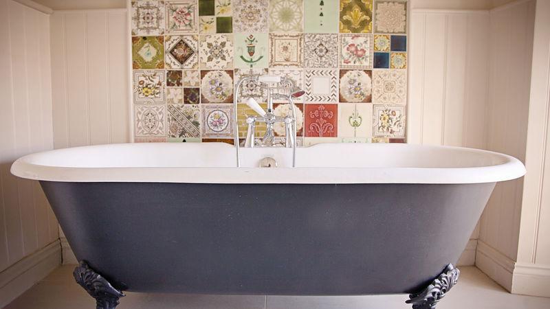 Medium crop room2 bathroom