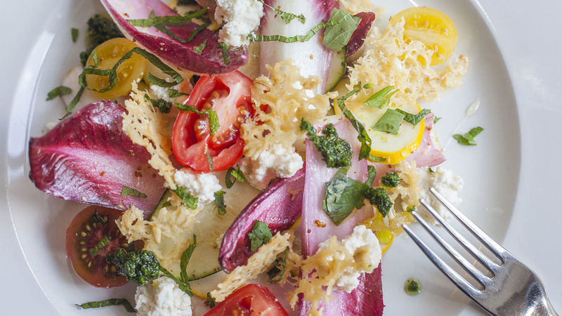 Medium crop chicory salad with old winchester crisps 05