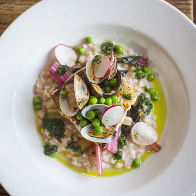 Thumb hake and clams with pearled spelt 02
