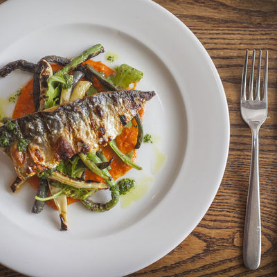 Thumb grilled mackerel with romesco sauce 02