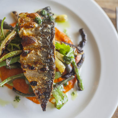 Thumb grilled mackerel with romesco sauce 06