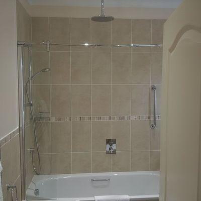 Thumb suite bathroom 2