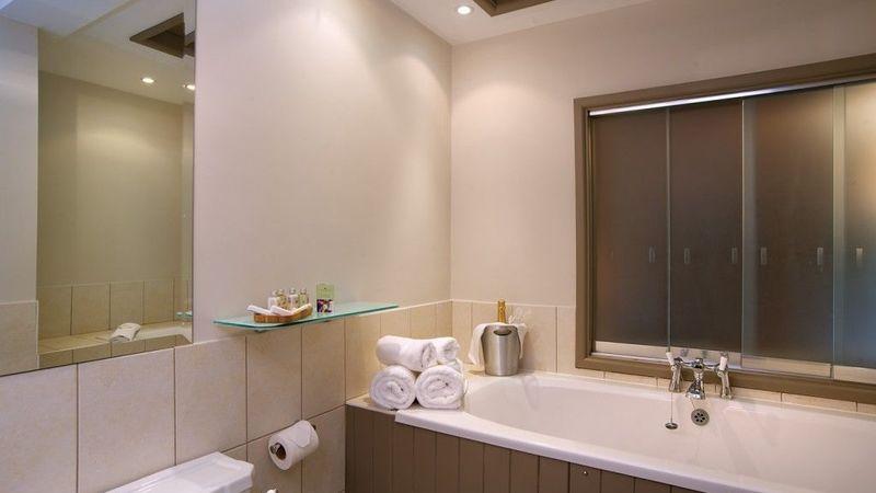 Medium crop halfway bridge bathroom 1024x689