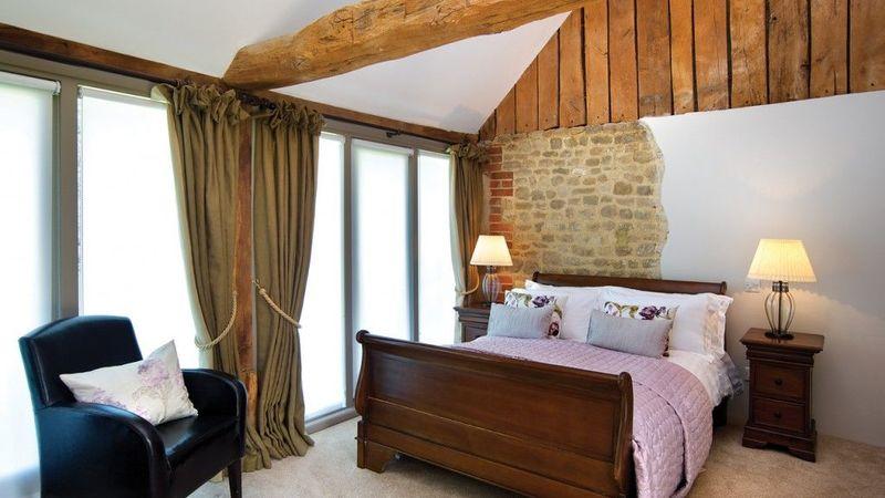 Medium crop halfway bridge guest bedroom 1 1024x717