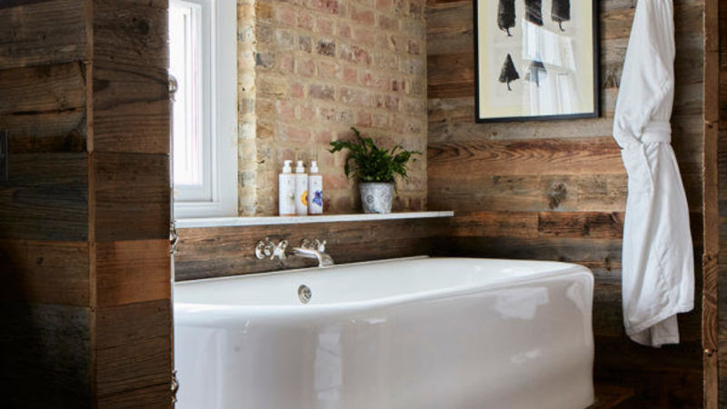 Medium crop artist residence london the loft bathtub 1 600x600