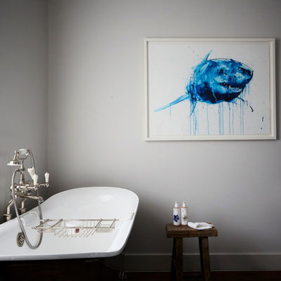 Thumb artist residence london club suite bathroom 1 600x600
