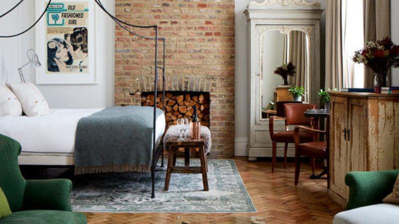 Medium crop artist residence london grand suite overview 600x600