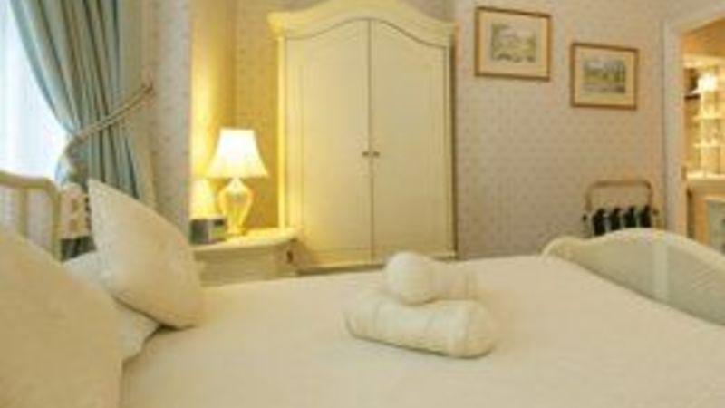 Medium crop bedroom7 sml