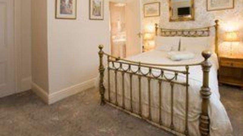 Medium crop bedroom4 sml