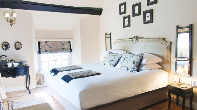 Medium crop bedroom1