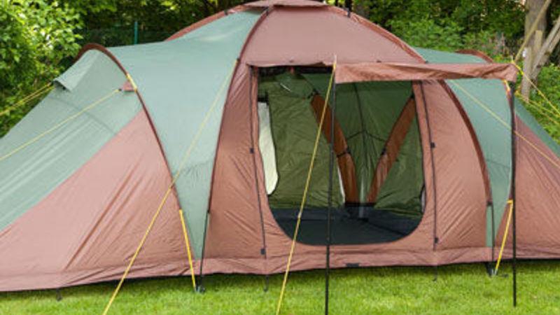Medium crop group tent