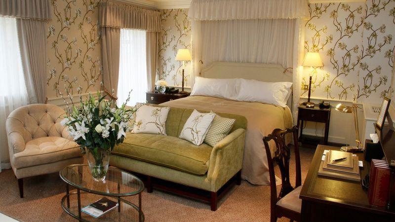 Medium crop bedroom  40 luxury