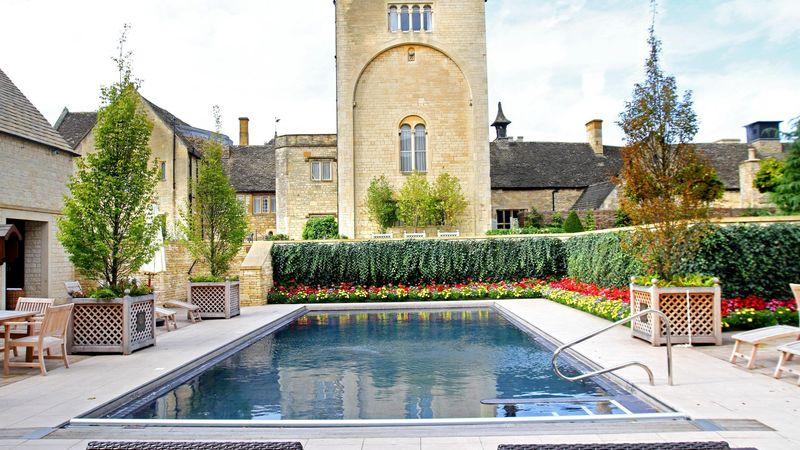 Medium crop outdoor swimming pool  2