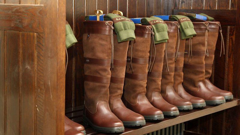 Medium crop the boot room