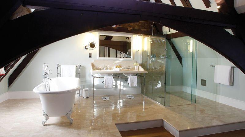 Medium crop the istabraq suite   suite 4 bathroom