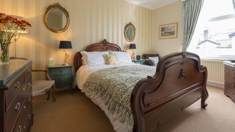 Medium crop room 3 bed
