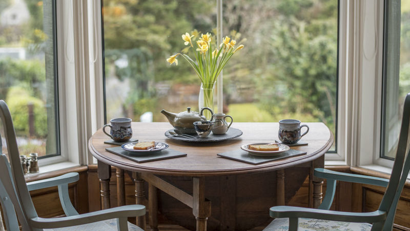 Medium crop tea for two at the mount