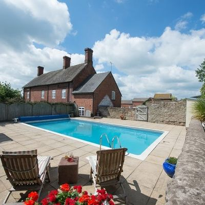 Thumb shropshire self catering swiimming pool uk