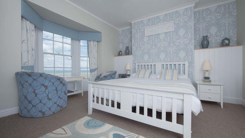Medium crop bh bedroom