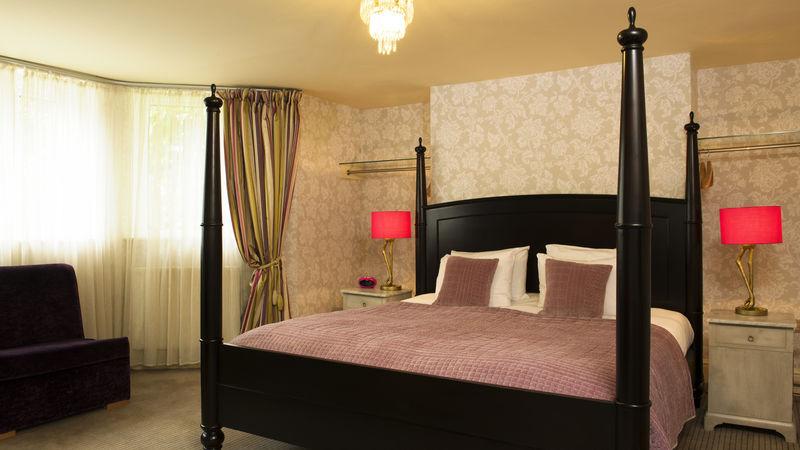 Medium crop rsz room 5 superior room